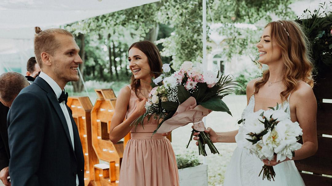 Świadkowa prezenty od gości weselnych